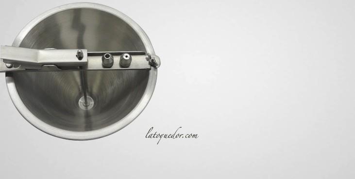 entonnoir automatique en inox ustensiles de cuisine. Black Bedroom Furniture Sets. Home Design Ideas