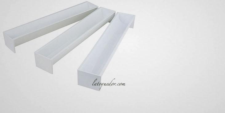 moule b che glac e plastique goutti re et moule b che la toque d 39 or. Black Bedroom Furniture Sets. Home Design Ideas