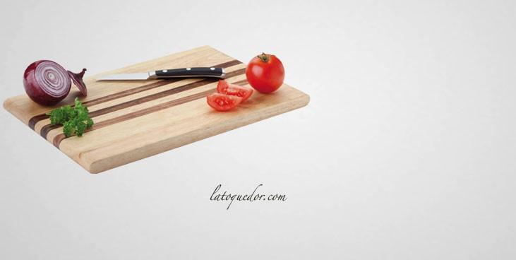 Planche à découper lisse en bois d'hévéa avec bandes