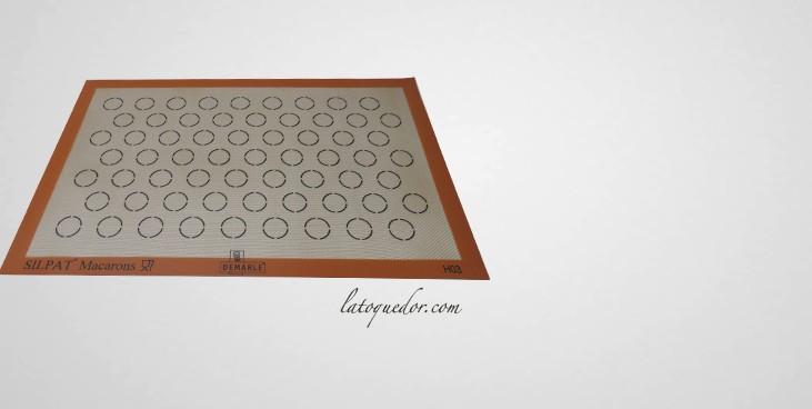 Toile de cuisson macaron silpat plaque p tisserie for Nettoyage plaque cuisson verre