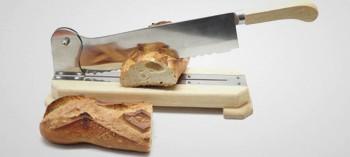Couteau à pain sur socle